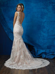 9352 Antique/Ivory back