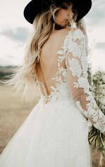 1337 Ivory Lace And Tulle Over Ivory Gown With Ivory Sl detail