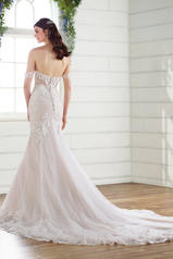 D2642 Ivory Silver Lace/Ivory Tulle/Ivory Gown back