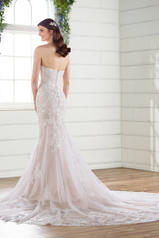 D2683 Ivory Lace/Tulle/Ivory Gown back