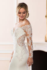 6607 Ivory Silver Lace On Ivory Crepe With Porcelain Tu detail