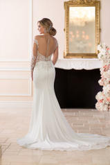 6607 Ivory Silver Lace On Ivory Crepe With Porcelain Tu back