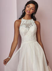 8RN722 Ivory Over Blush detail