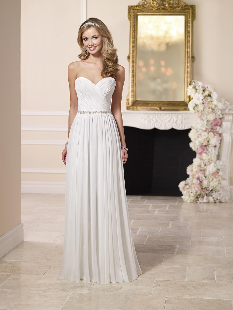 GLAMOROUS WEDDING DRESS