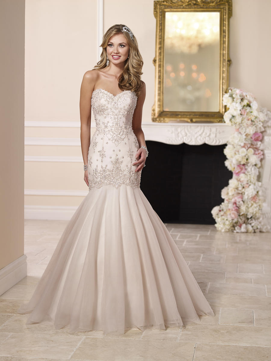 Stella york 6107 romantic wedding dress souths clothiers boone nc 6107 ombrellifo Choice Image