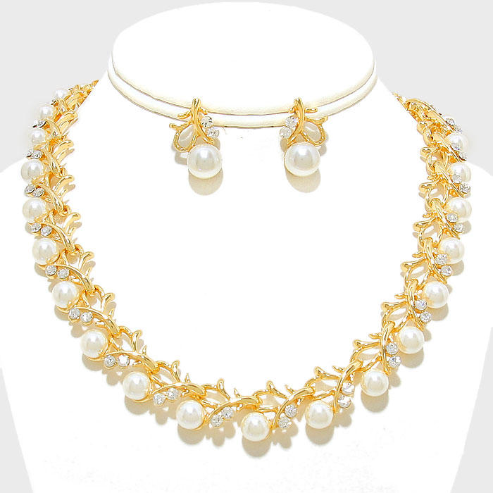 GARLAND PEARL CRYSTAL NECKLACE