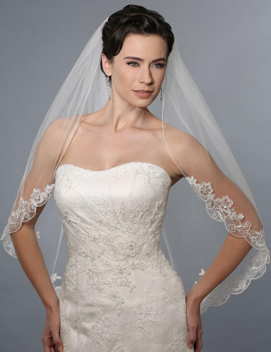 BELAIRE BRIDAL - Rolled Edge Lace Catheral Veil