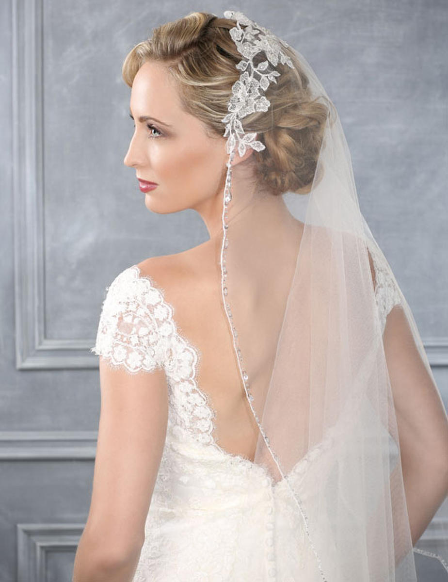 BELAIRE BRIDAL - 1 TIERMANTILLA/LACE