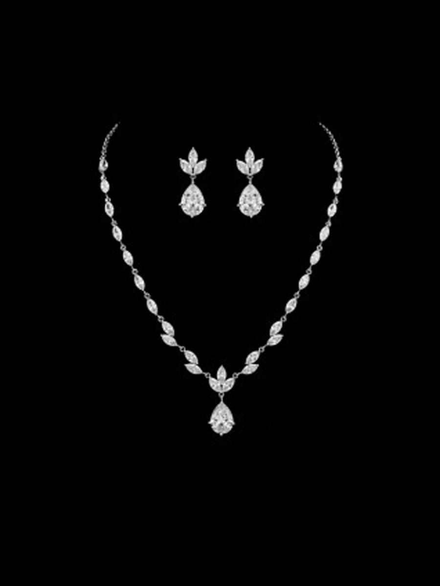 DS BRIDAL    DAE SUNG . - 2PC EARR & NECKLACE