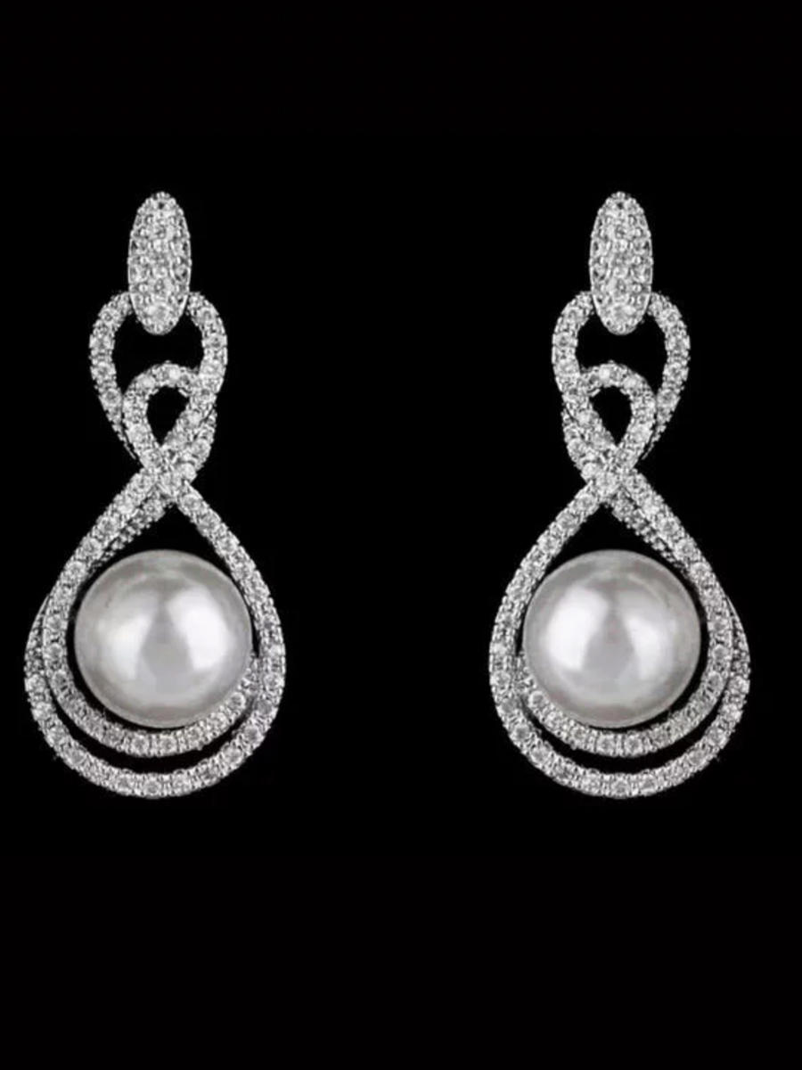DS BRIDAL    DAE SUNG . - Cubic Zirconia Center Pearl Drop Earrings