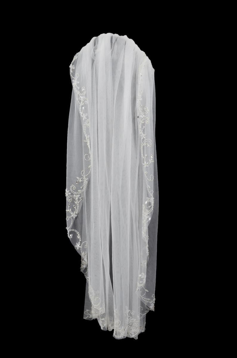 EJS  Couture - Short Beaded Trim Veil