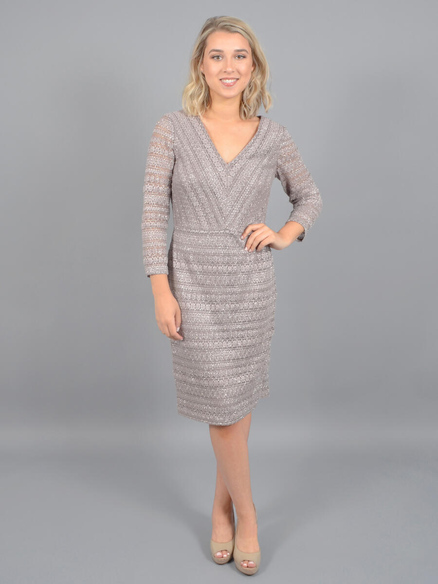 JESSICA HOWARD - Long Sleeve Metallic Lace Dress