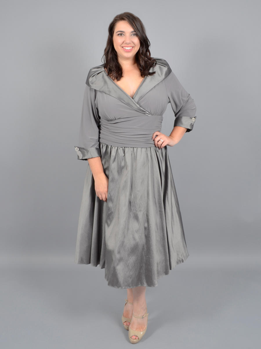 JESSICA HOWARD - Long Sleeve Satin Dress