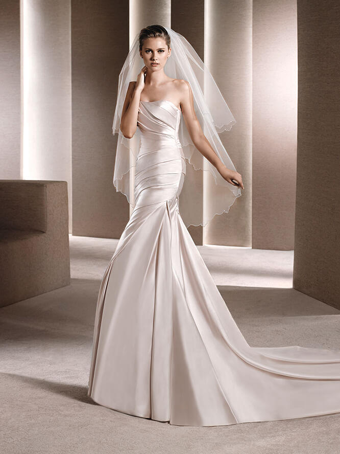 Pronovias - Strapless Ruched Satin Fit & Flare
