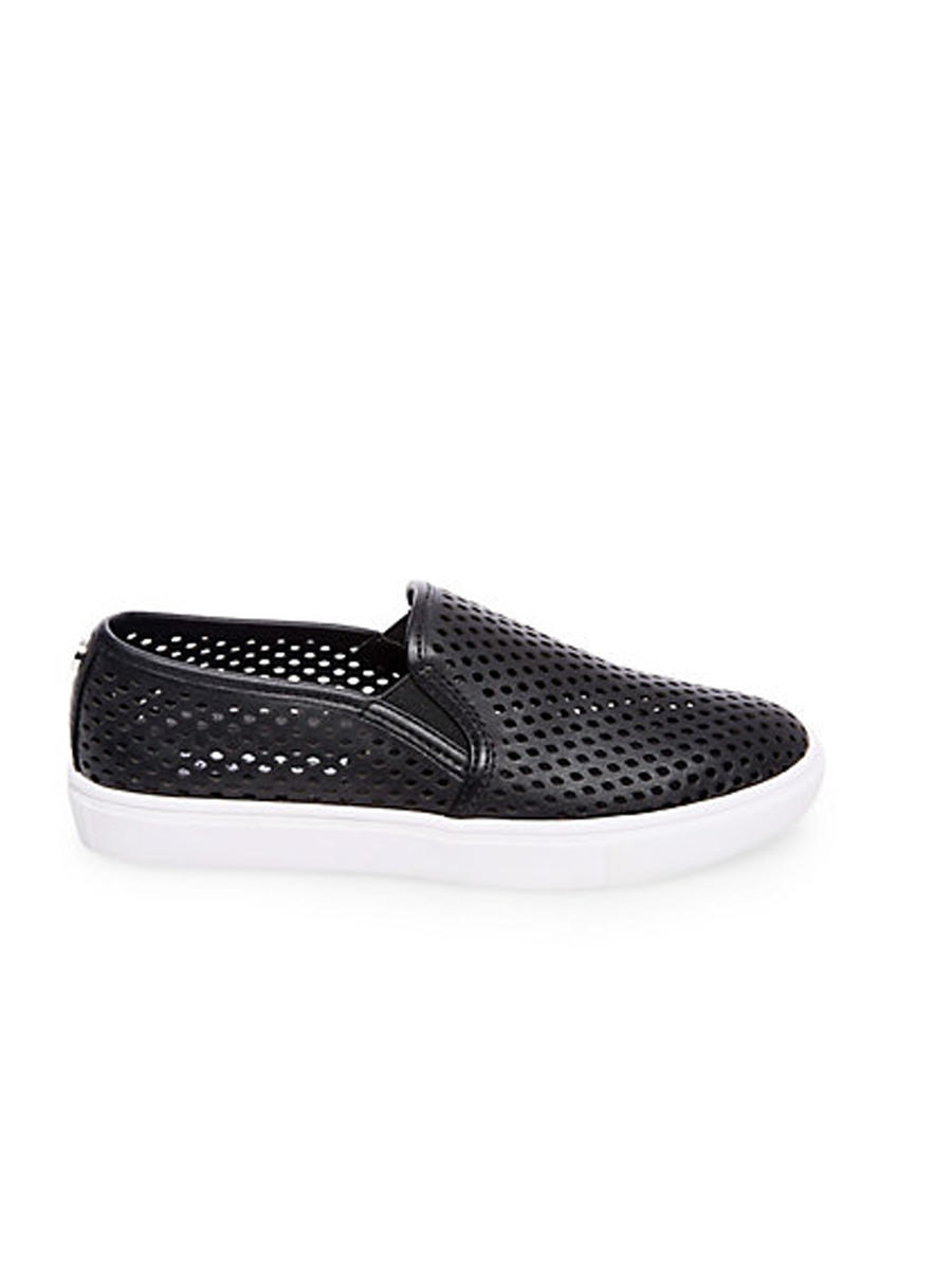 STEVE MADDEN          14TH  FLOORS nyc - Perferated  Sneaker