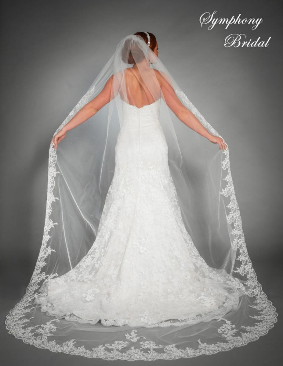 Symphony Bridal - 1 TIER CATHEDRAL WITH LACE