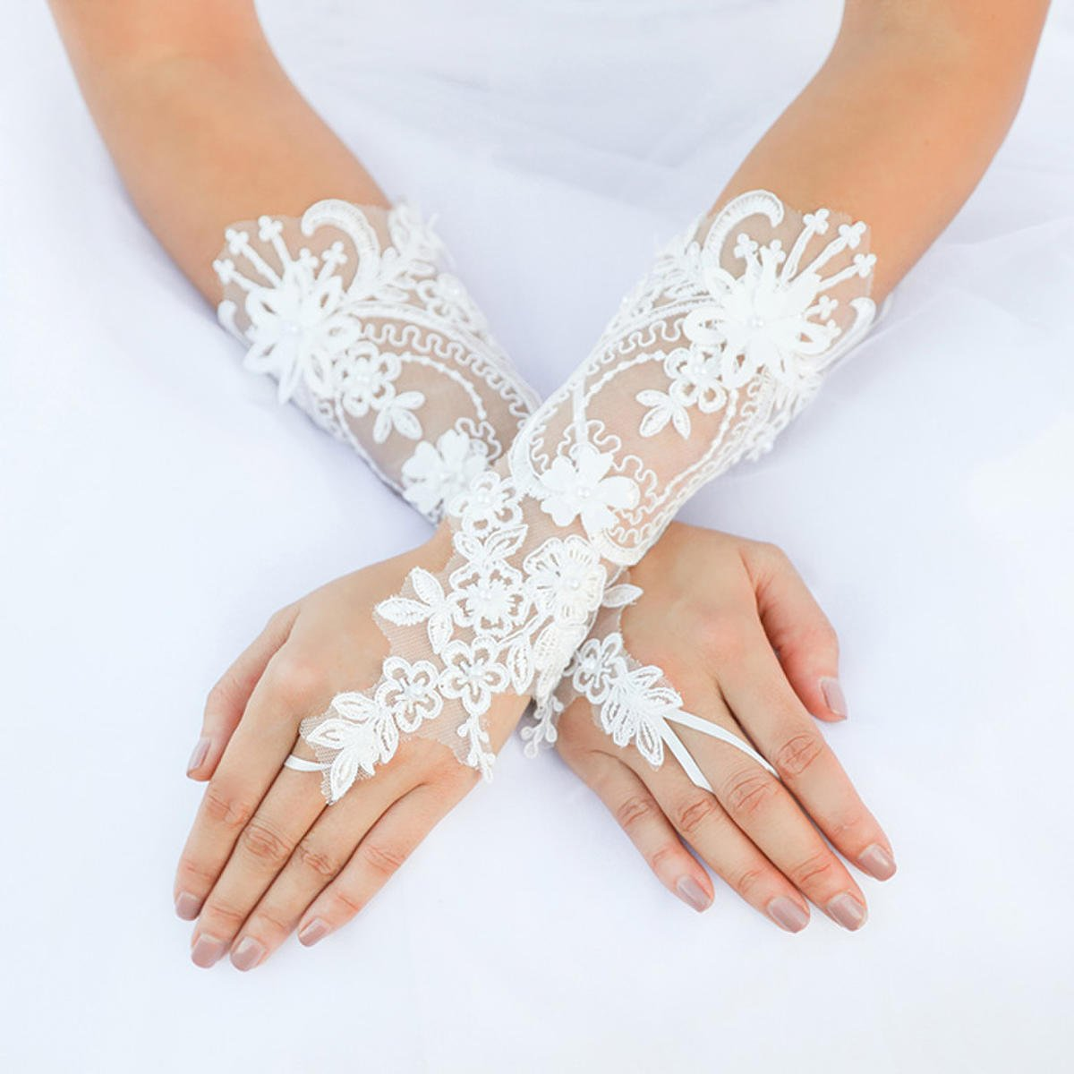 WONA TRADING INC - Floral Lace Fingerless Wedding Glove GL942