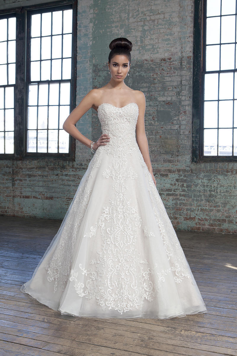 Justin Alexander Sample Gown